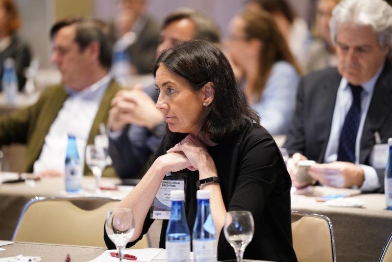 AVE, APD y PwC analizan los retos tecnológicos, económicos y sociales a los que se enfrenta la Comunidad Valenciana