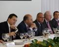 Los miembros de AVE se reúnen con el President de la Generalitat